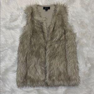 NWOT faux fur vest